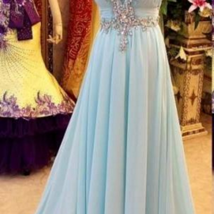 Ball gown with a light blue chiffo..