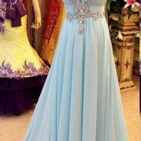 Ball gown with a light blue chiffon dress v-neck with a sleeveless ball gown, evening gown.